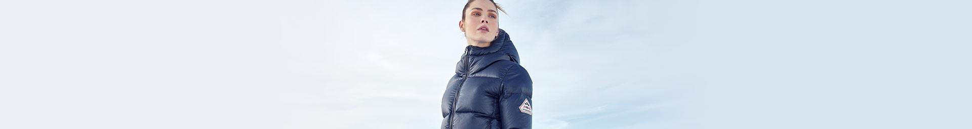 Down jackets, parkas and winter coats for Women| Pyrenex Official Shop