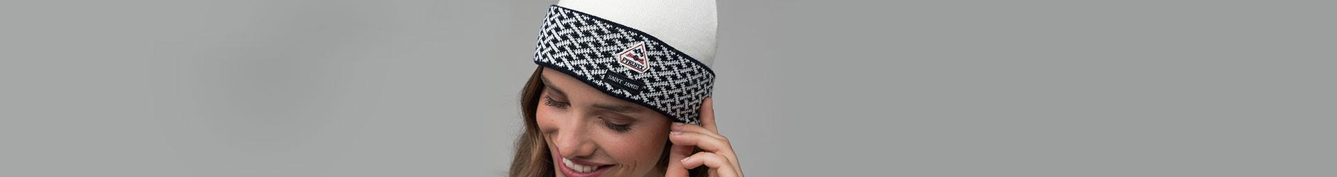 Women beanies, scarf and other winter accessories | Pyrenex